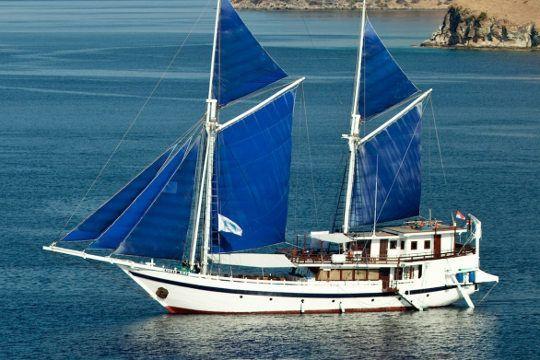 Indo Aggressor Banda Islands Indonesia Liveaboard Dive Boat