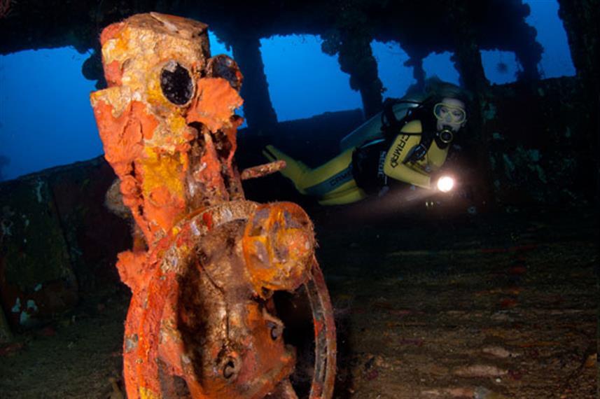Nippo Maru Shipwreck - Truk Lagoon