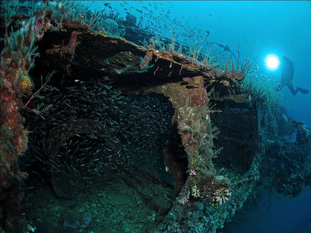 blue water wreck - labuan sabah malaysia