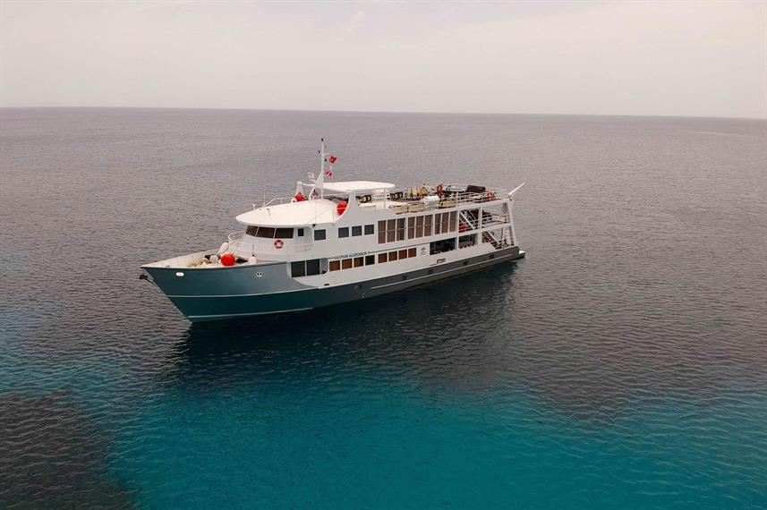 Cayman Aggressor V - Scuba Diving the Cayman Islands