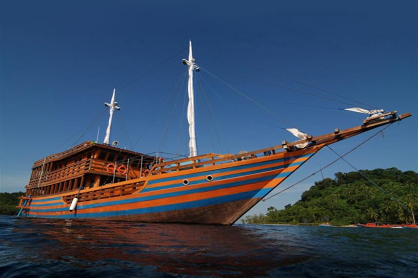 KLM Sunshine - Indonesia Liveaboard Diving